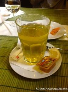 Jediné zklamání - na čaj by se v takovém prostředí hodil více kvalitní čajový servis