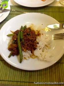 Pílivé soté s čerstvou thajskou bazalkou