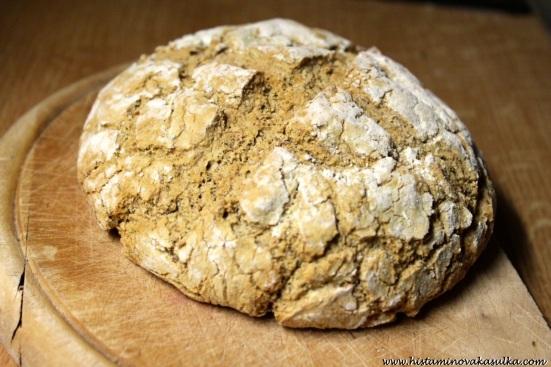Slaný čirokový chléb