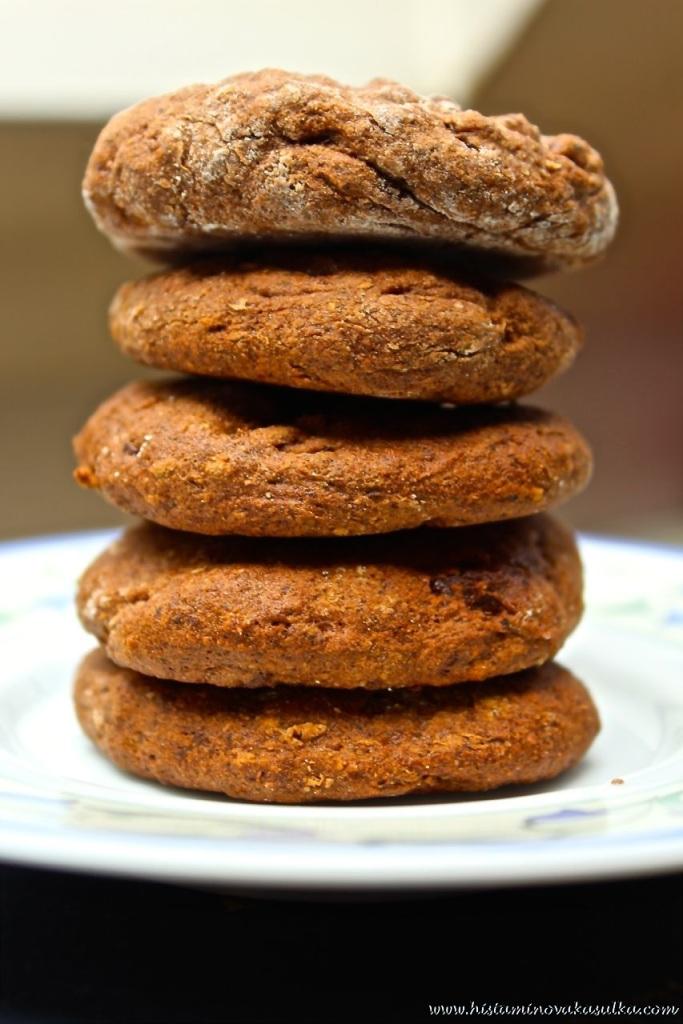 Recept na tyto čirokovo-pohankové alias protizánětlivé sušenky již brzy:))