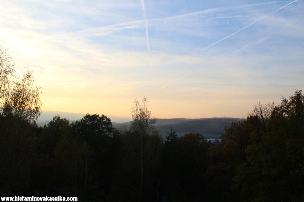 V CKP se pracuji i po západu slunce...ale není v těch Dobřichovicích prostě nádherně?
