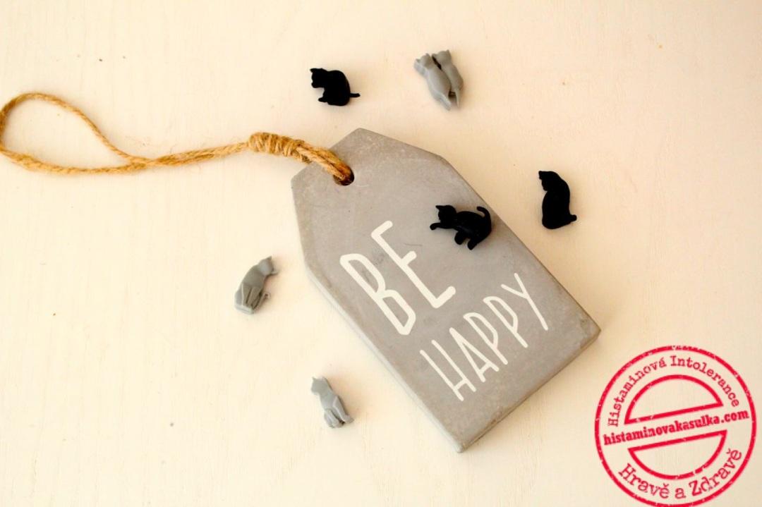 Pojďme si dát společně jedno předsevzetí - buďme v tom dalším roce prostě šťastní:).